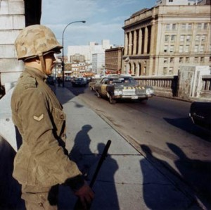 Royal 22nd Regiment soldier stands guard on a bridge in Montreal following the implementation of the War Measures Act, Oct. 16, 1970 (photo courtesy Canadian Press).