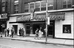 The Town Tavern (at Queen and Yonge streets) was Archie Alleyne's home club from the mid-1950s until 1970.