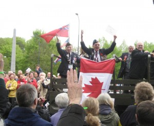 Canadian vets feted by Dutch during 2010 Apeldorn parade.