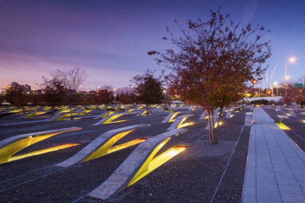 This park to the west of the Pentagon honours those killed in the 9/11 attacks at the Pentagon.