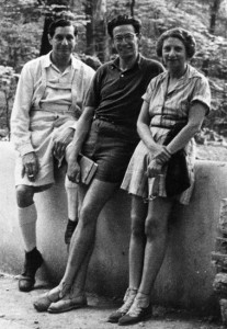 The Kaufmanns l-r Edgar Sr., Edgar Jr., Liliane c1940 (Western Pennsylvania Conservancy).