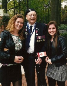 The two women - l-r Kim and Monica - asked Canadian vet Harry Watts to pose with them for this photo.