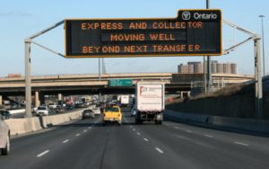 hwy401_overhead_sign